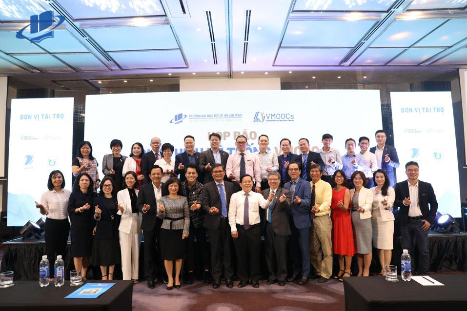 Trường Đại học Mở TPHCM họp báo giới thiệu Hệ thống học trực tuyến miễn phí đầu tiên tại Việt Nam